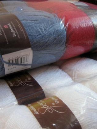 snowflakeblanket-yarn2